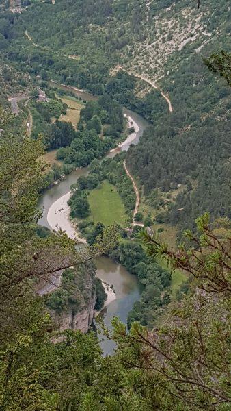Du haut de la falaise , vue sur le Tarn